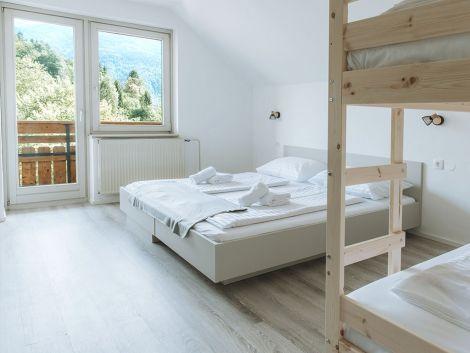 Enosobni apartma za družine z osupljivim pogledom